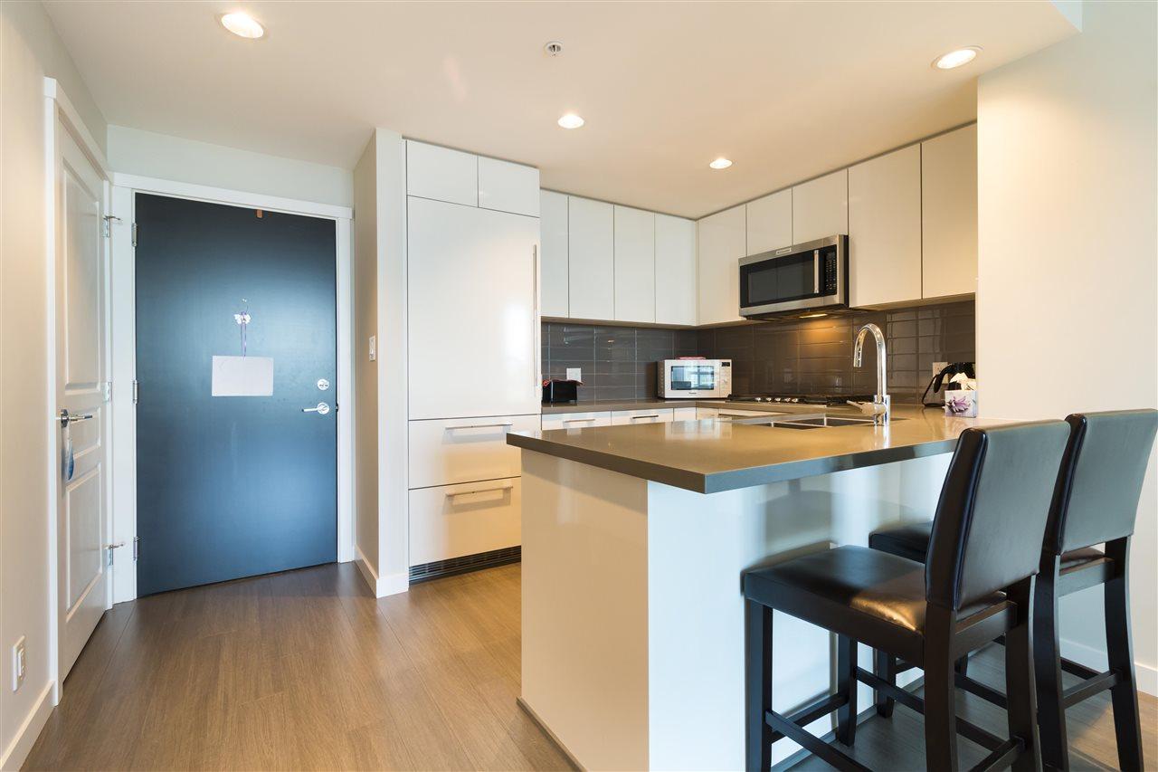 Condo Apartment at 1002 3093 WINDSOR GATE, Unit 1002, Coquitlam, British Columbia. Image 2