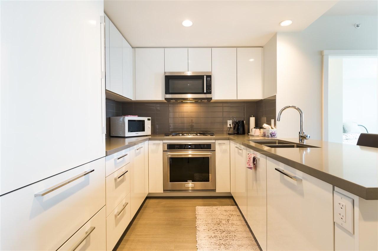 Condo Apartment at 1002 3093 WINDSOR GATE, Unit 1002, Coquitlam, British Columbia. Image 3