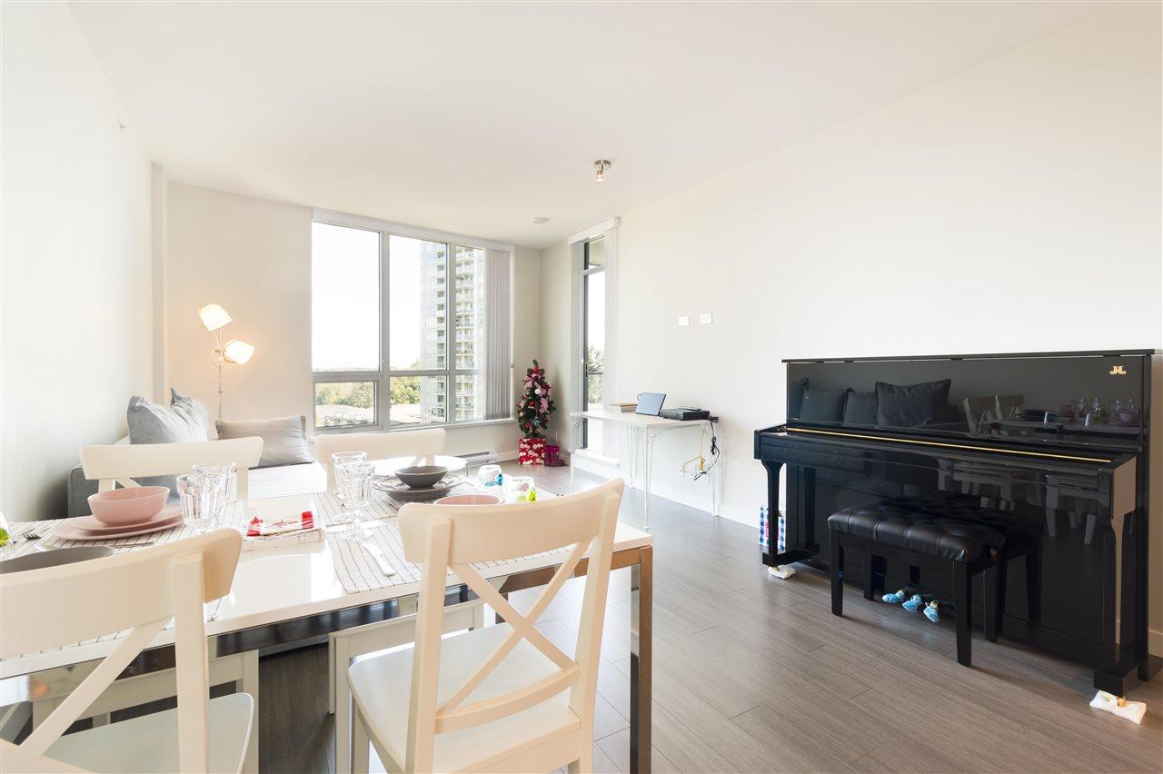 Condo Apartment at 1002 3093 WINDSOR GATE, Unit 1002, Coquitlam, British Columbia. Image 4