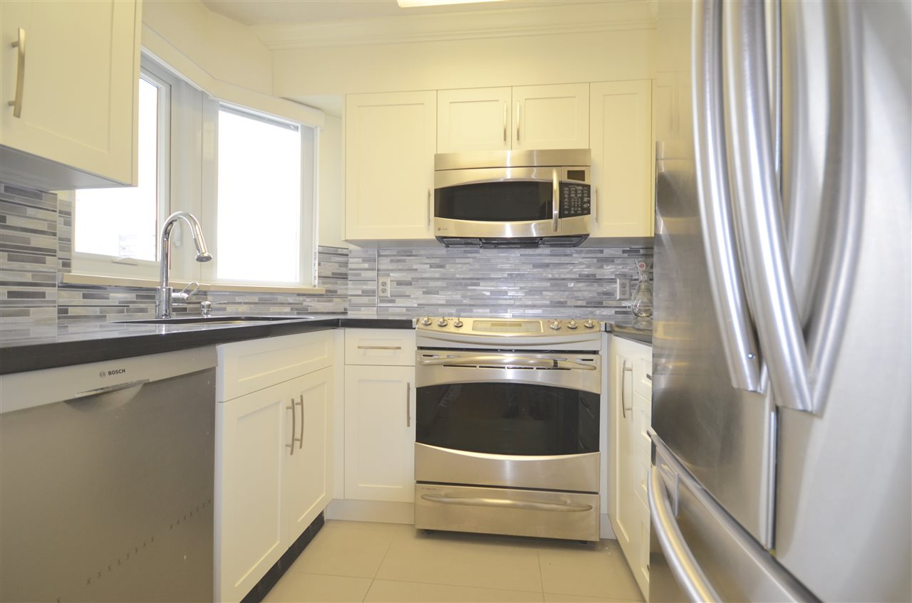 Condo Apartment at 901 1838 NELSON STREET, Unit 901, Vancouver West, British Columbia. Image 8