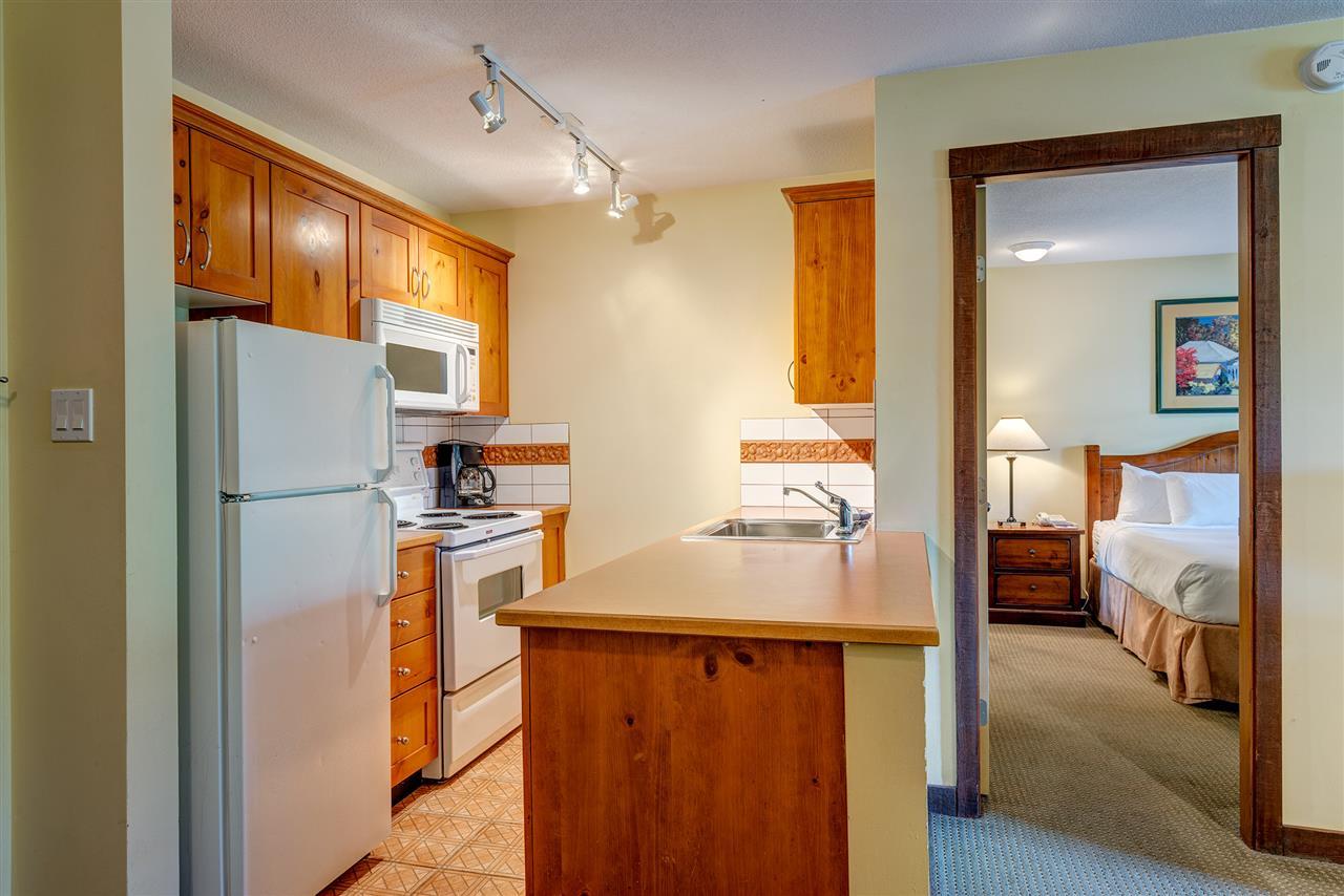 Condo Apartment at 303 4899 PAINTED CLIFF ROAD, Unit 303, Whistler, British Columbia. Image 8