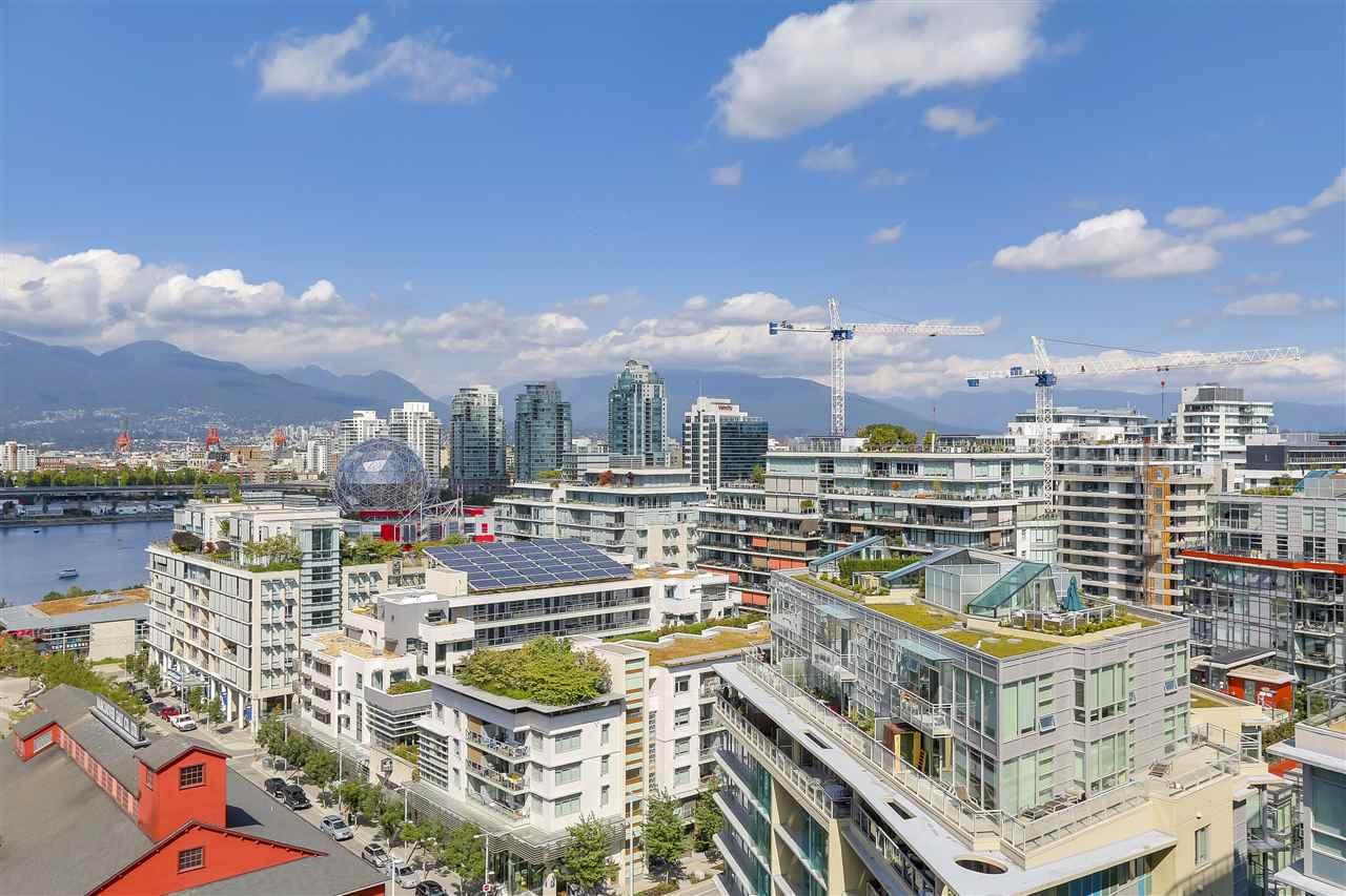 Condo Apartment at 1705 1783 MANITOBA STREET, Unit 1705, Vancouver West, British Columbia. Image 3