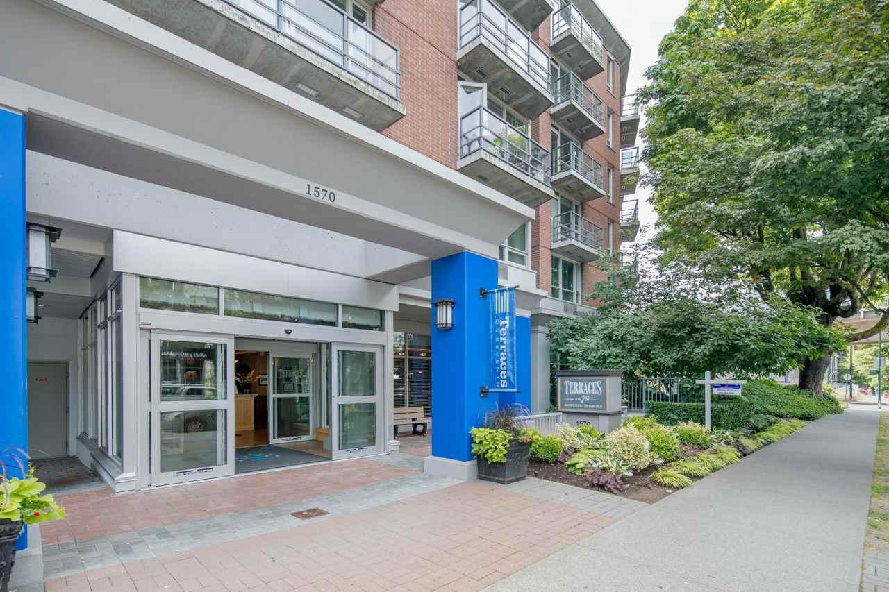 Condo Apartment at 901 1570 W 7TH AVENUE, Unit 901, Vancouver West, British Columbia. Image 1