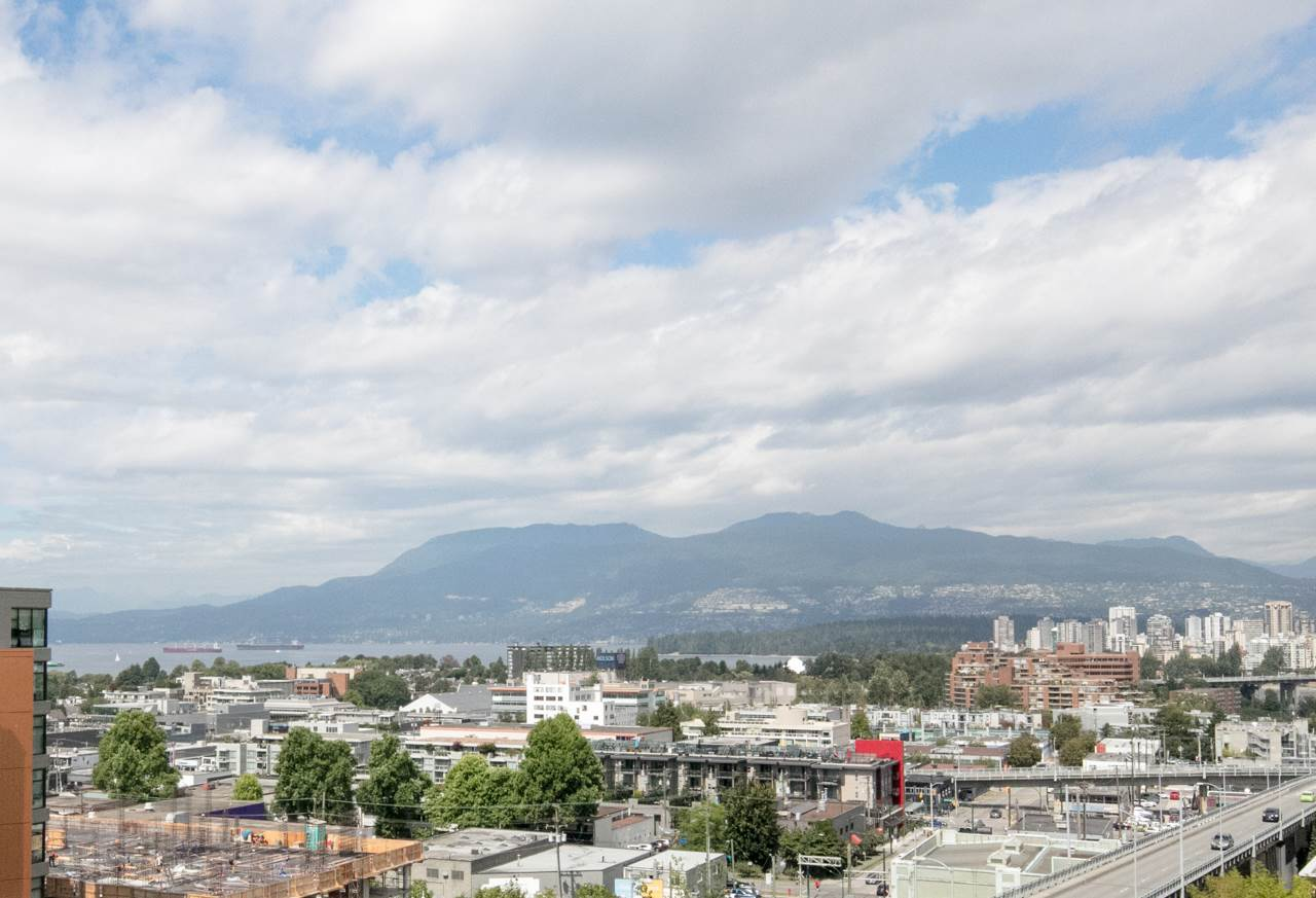 Condo Apartment at 901 1570 W 7TH AVENUE, Unit 901, Vancouver West, British Columbia. Image 3