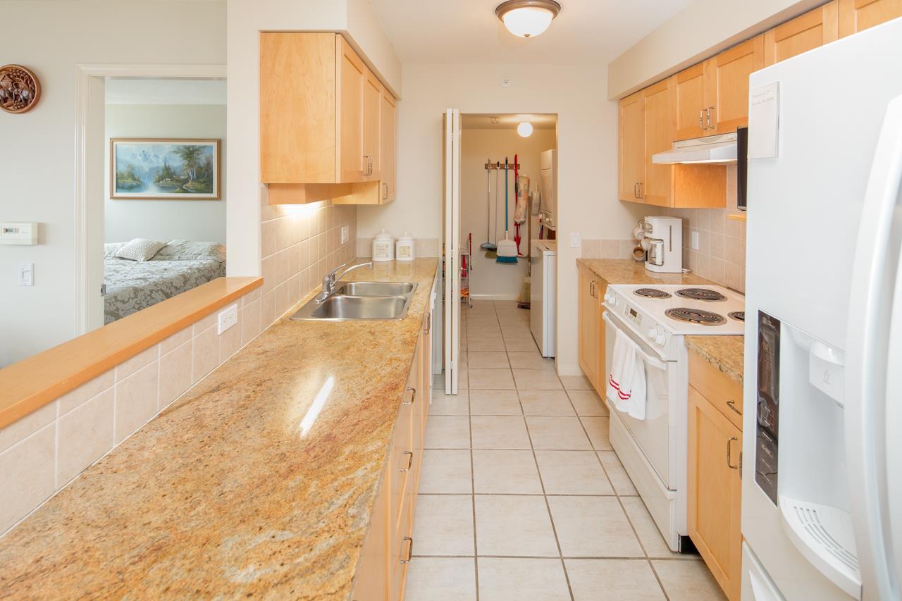 Condo Apartment at 901 1570 W 7TH AVENUE, Unit 901, Vancouver West, British Columbia. Image 5