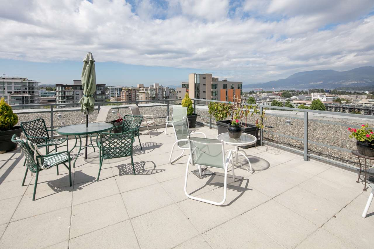 Condo Apartment at 901 1570 W 7TH AVENUE, Unit 901, Vancouver West, British Columbia. Image 12