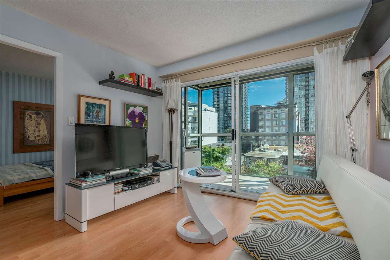 Condo Apartment at 306 1188 HOWE STREET, Unit 306, Vancouver West, British Columbia. Image 2