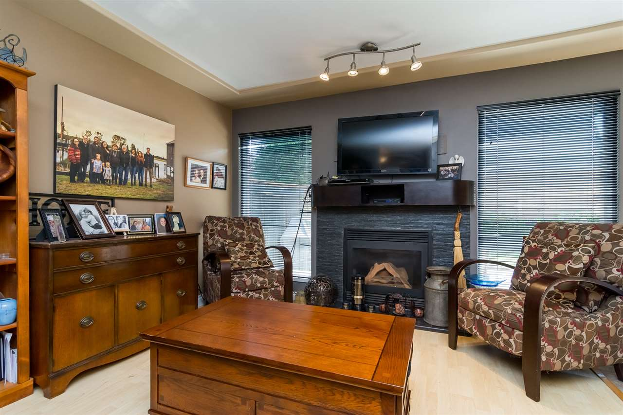 Townhouse at 5 9559 208 STREET, Unit 5, Langley, British Columbia. Image 3