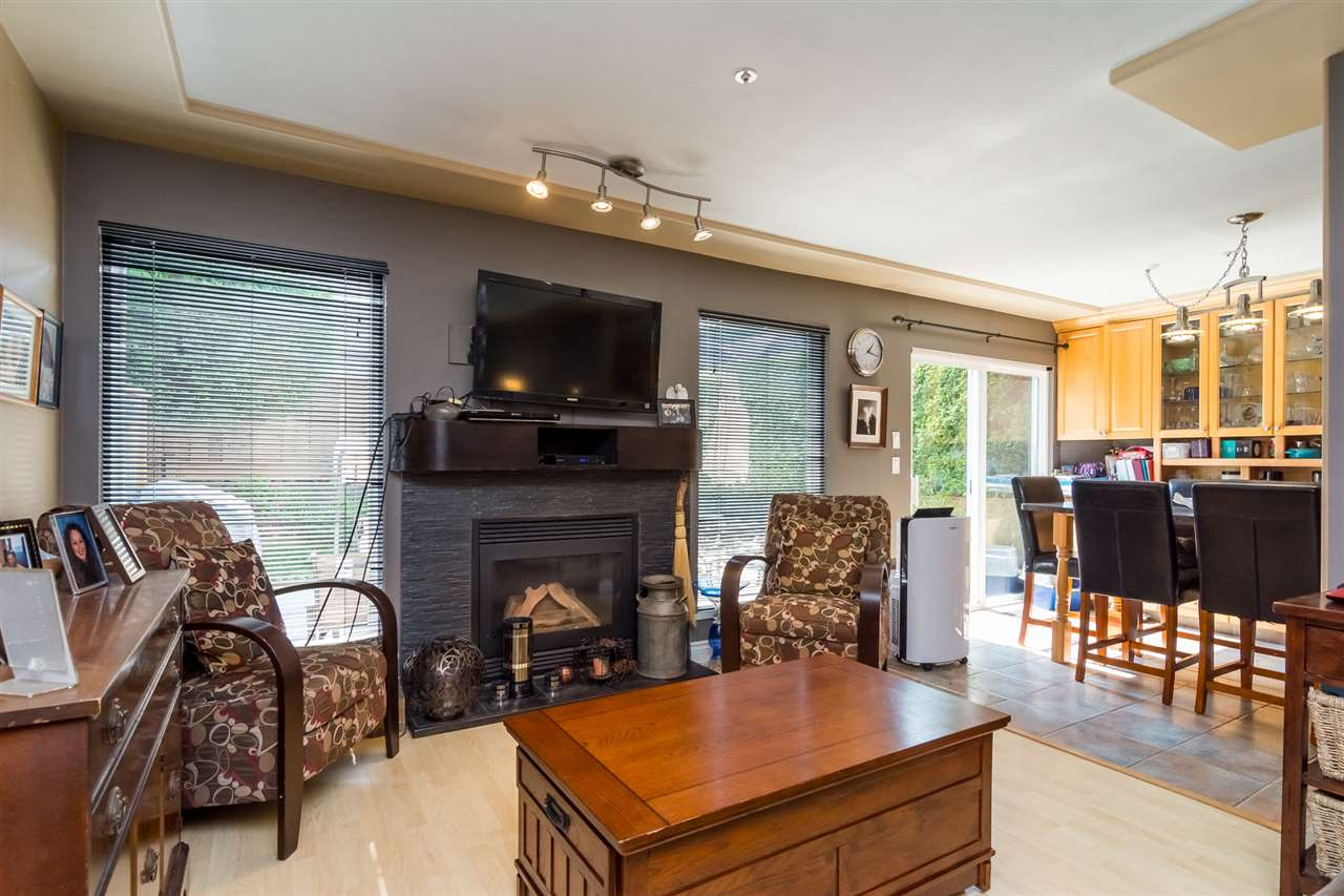 Townhouse at 5 9559 208 STREET, Unit 5, Langley, British Columbia. Image 5