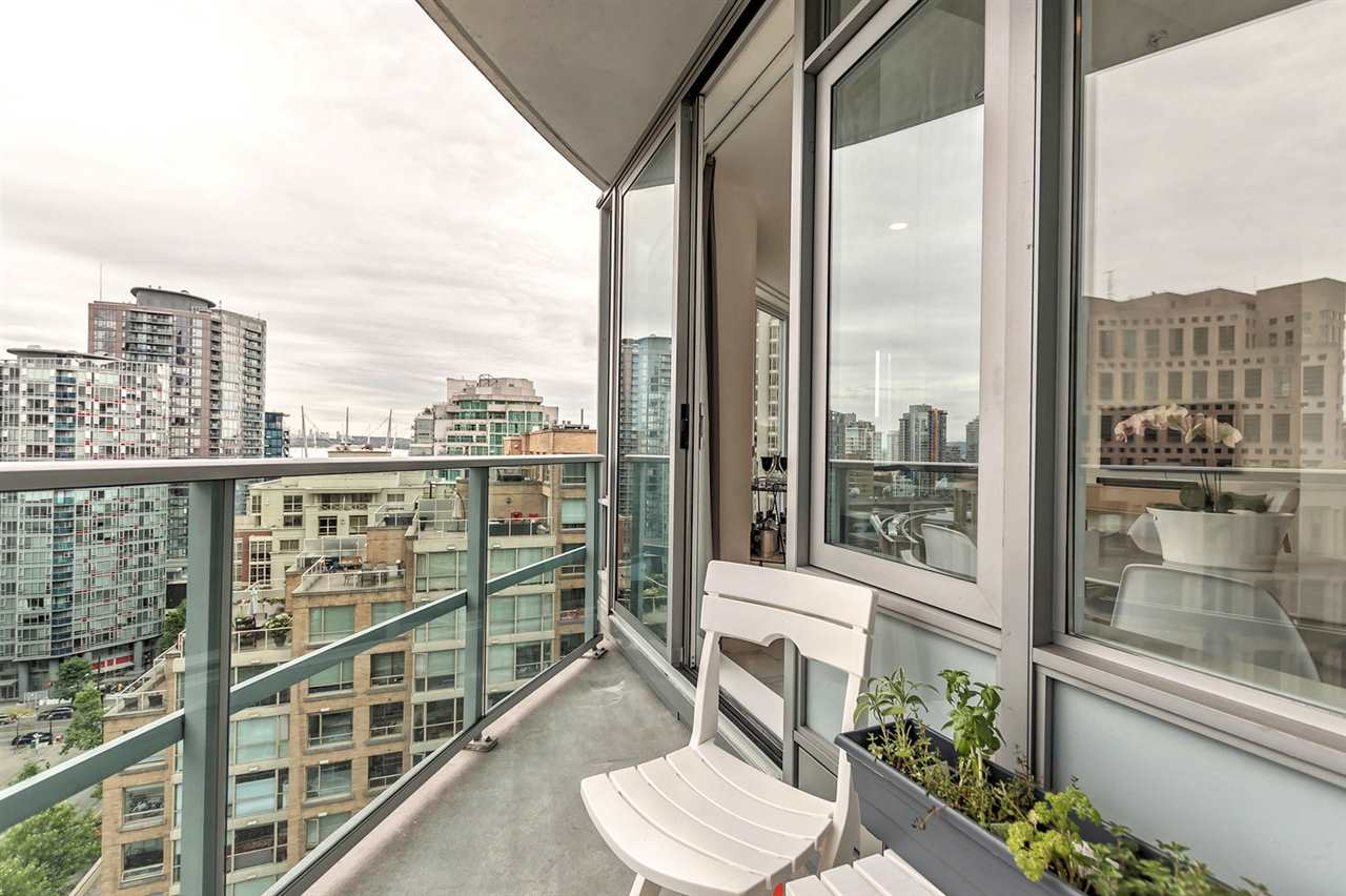 Condo Apartment at 1703 833 HOMER STREET, Unit 1703, Vancouver West, British Columbia. Image 10