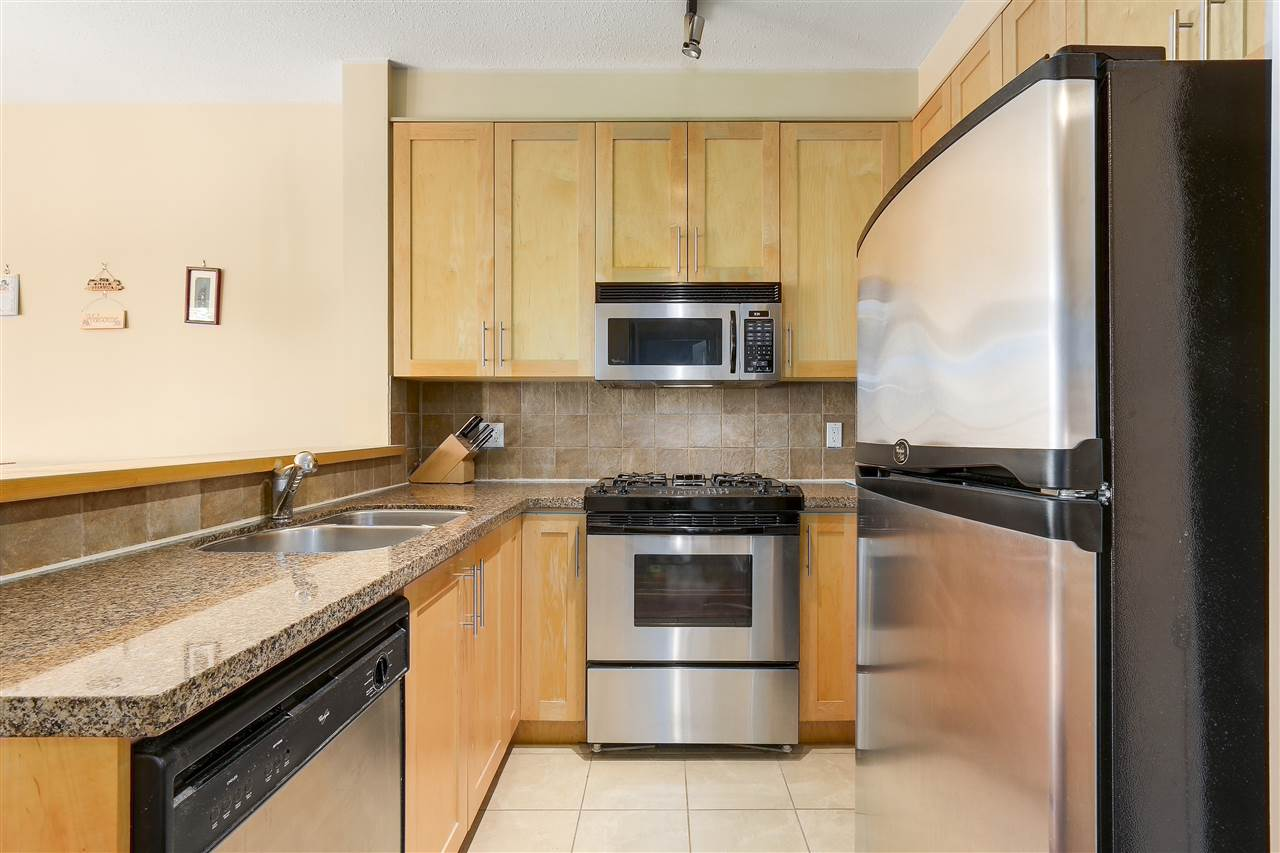 Condo Apartment at 2210 4625 VALLEY DRIVE, Unit 2210, Vancouver West, British Columbia. Image 12