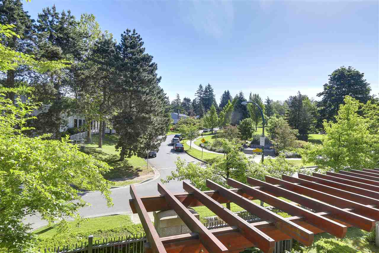 Condo Apartment at 2210 4625 VALLEY DRIVE, Unit 2210, Vancouver West, British Columbia. Image 17