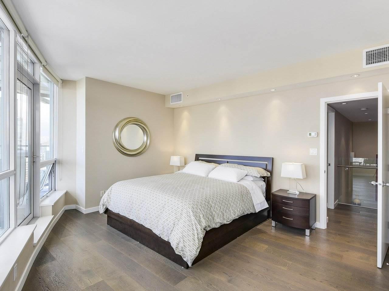 Condo Apartment at PH3 833 SEYMOUR STREET, Unit PH3, Vancouver West, British Columbia. Image 13
