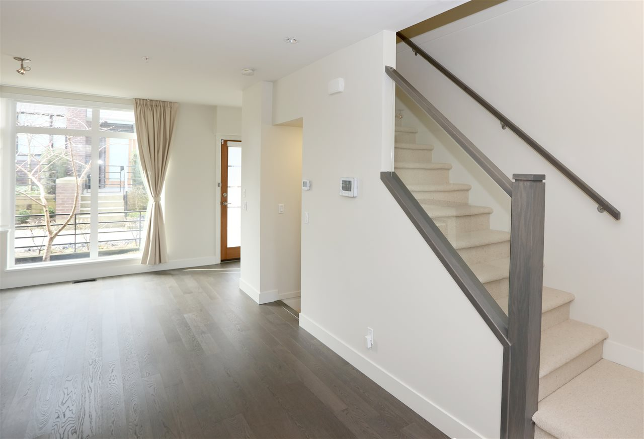Townhouse at 6174 OAK STREET, Vancouver West, British Columbia. Image 3