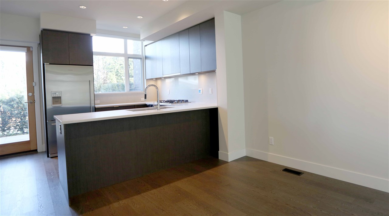 Townhouse at 6174 OAK STREET, Vancouver West, British Columbia. Image 6