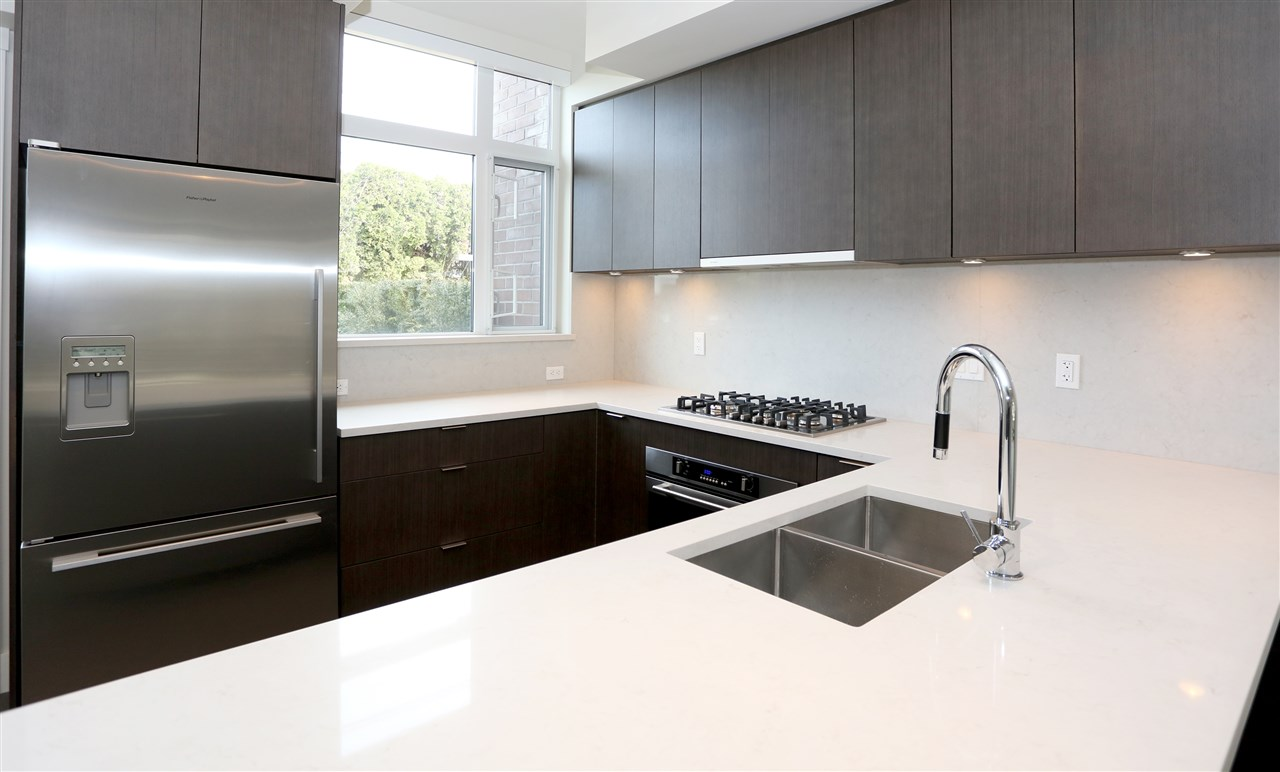 Townhouse at 6174 OAK STREET, Vancouver West, British Columbia. Image 7