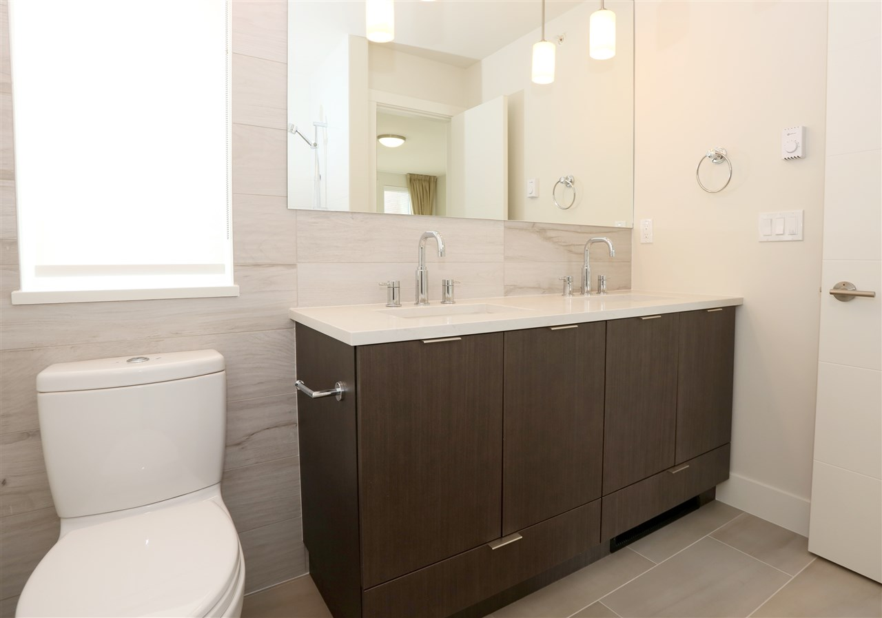 Townhouse at 6174 OAK STREET, Vancouver West, British Columbia. Image 14