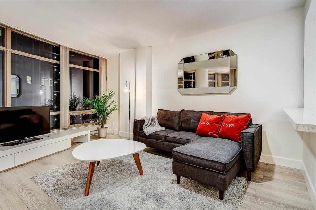 Condo Apartment at 902 1200 ALBERNI STREET, Unit 902, Vancouver West, British Columbia. Image 5