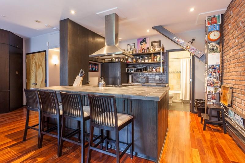 Condo Apartment at 302 1230 HAMILTON STREET, Unit 302, Vancouver West, British Columbia. Image 4