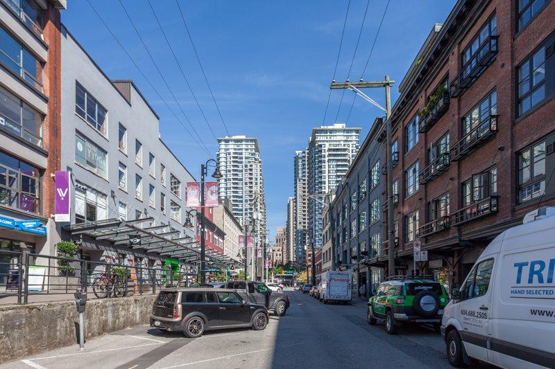 Condo Apartment at 302 1230 HAMILTON STREET, Unit 302, Vancouver West, British Columbia. Image 16