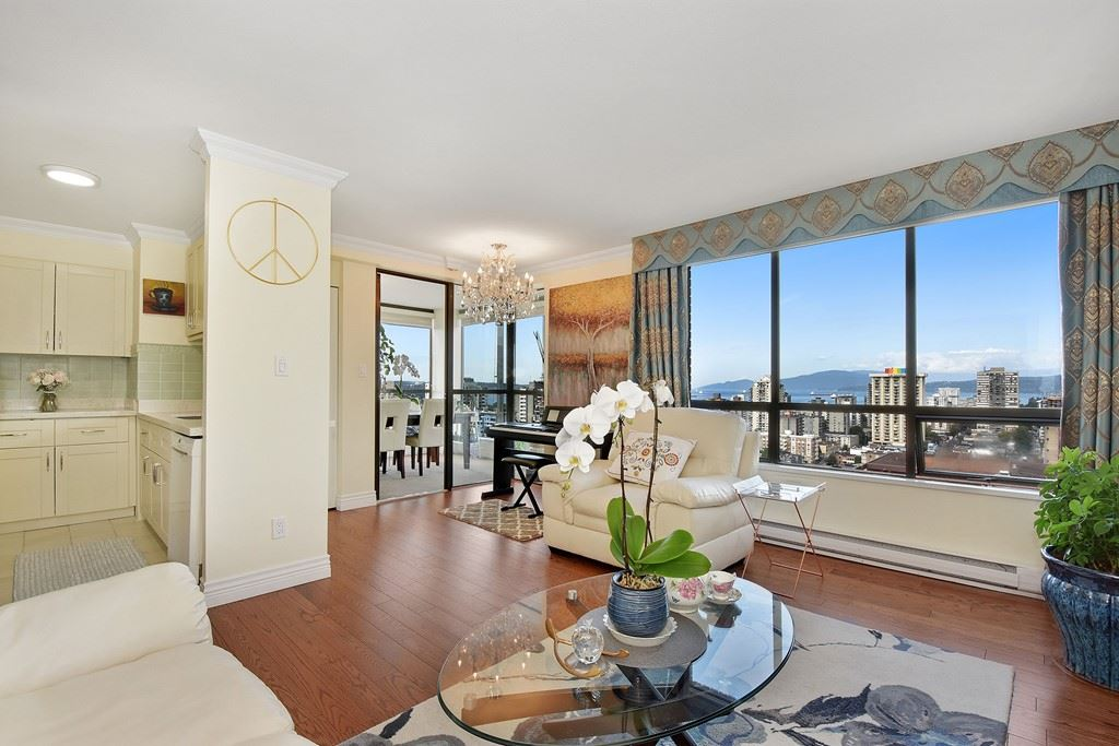 Condo Apartment at 2804 1189 HOWE STREET, Unit 2804, Vancouver West, British Columbia. Image 3