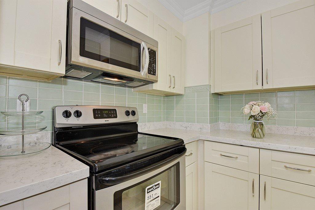 Condo Apartment at 2804 1189 HOWE STREET, Unit 2804, Vancouver West, British Columbia. Image 9