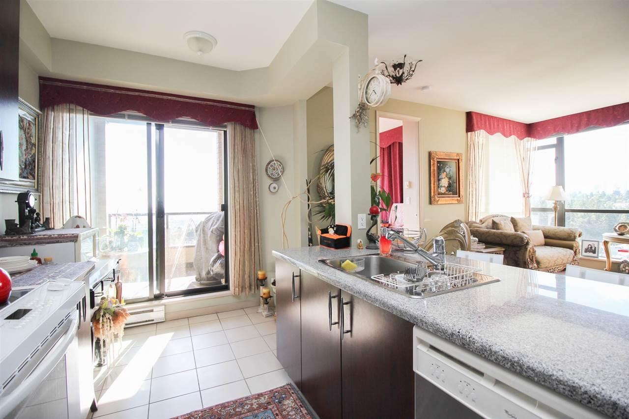 Condo Apartment at 1103 7388 SANDBORNE AVENUE, Unit 1103, Burnaby South, British Columbia. Image 5