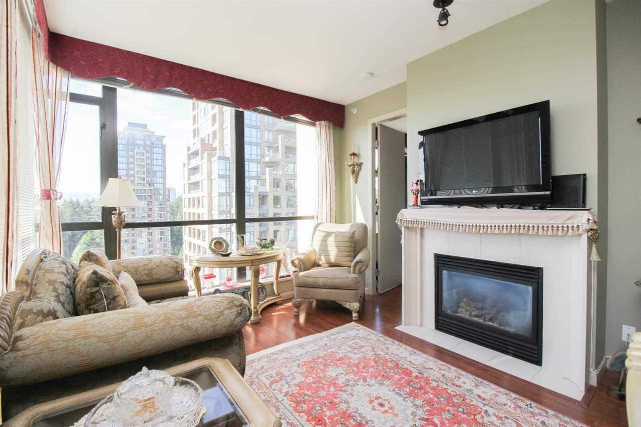 Condo Apartment at 1103 7388 SANDBORNE AVENUE, Unit 1103, Burnaby South, British Columbia. Image 7