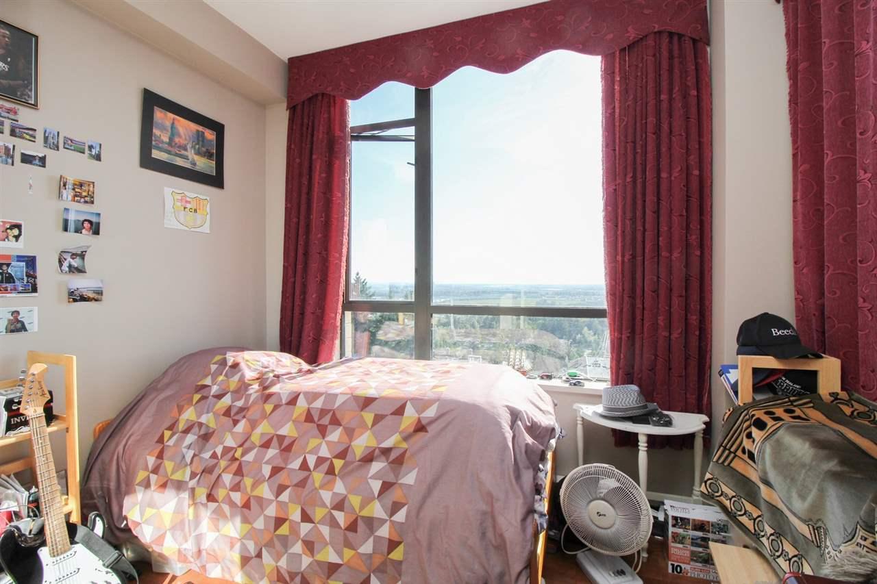 Condo Apartment at 1103 7388 SANDBORNE AVENUE, Unit 1103, Burnaby South, British Columbia. Image 14