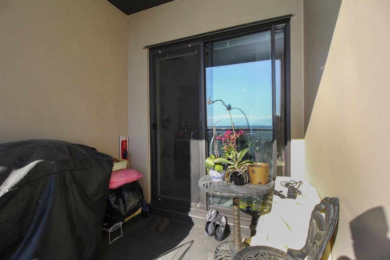 Condo Apartment at 1103 7388 SANDBORNE AVENUE, Unit 1103, Burnaby South, British Columbia. Image 17