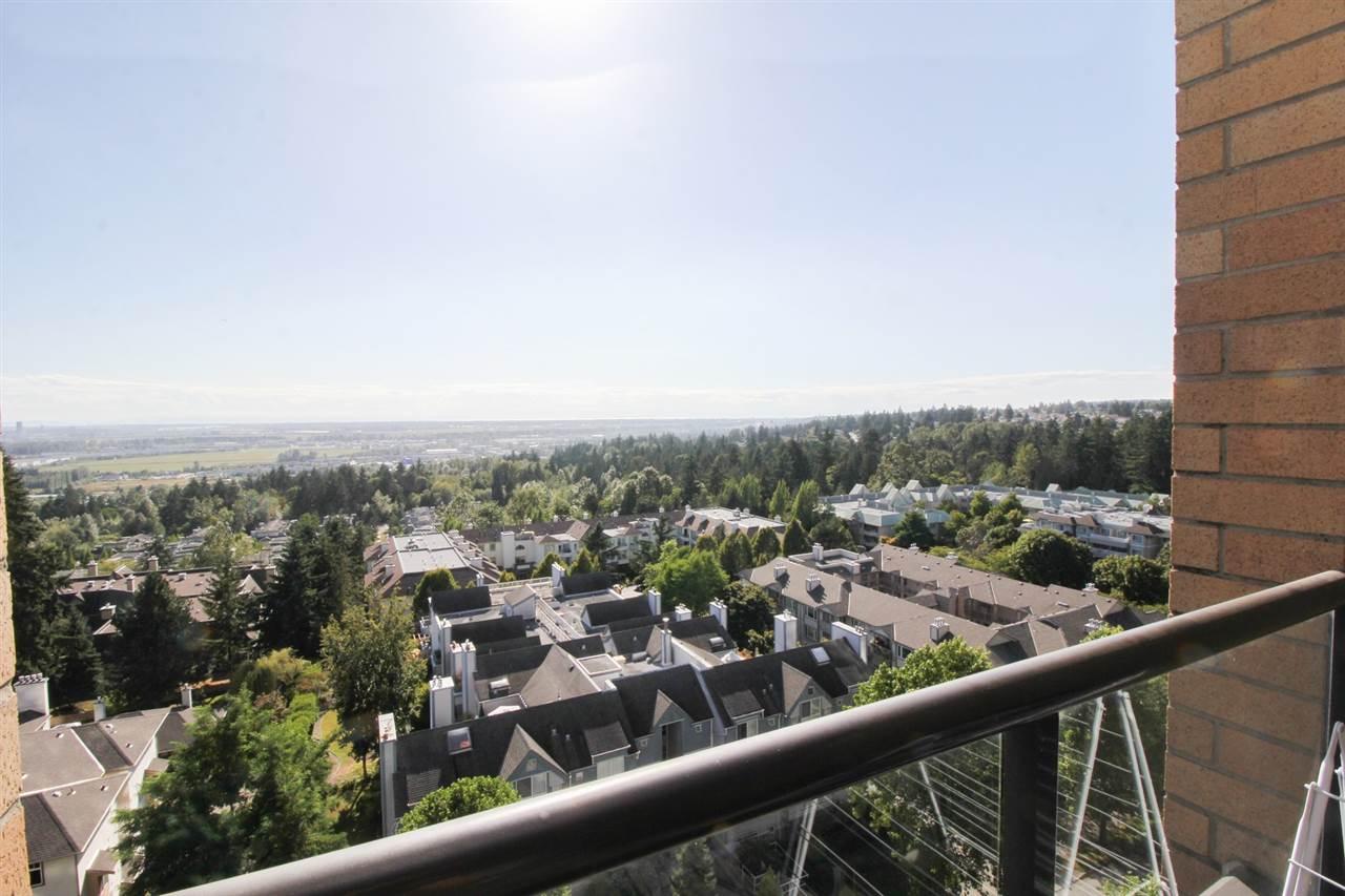 Condo Apartment at 1103 7388 SANDBORNE AVENUE, Unit 1103, Burnaby South, British Columbia. Image 18
