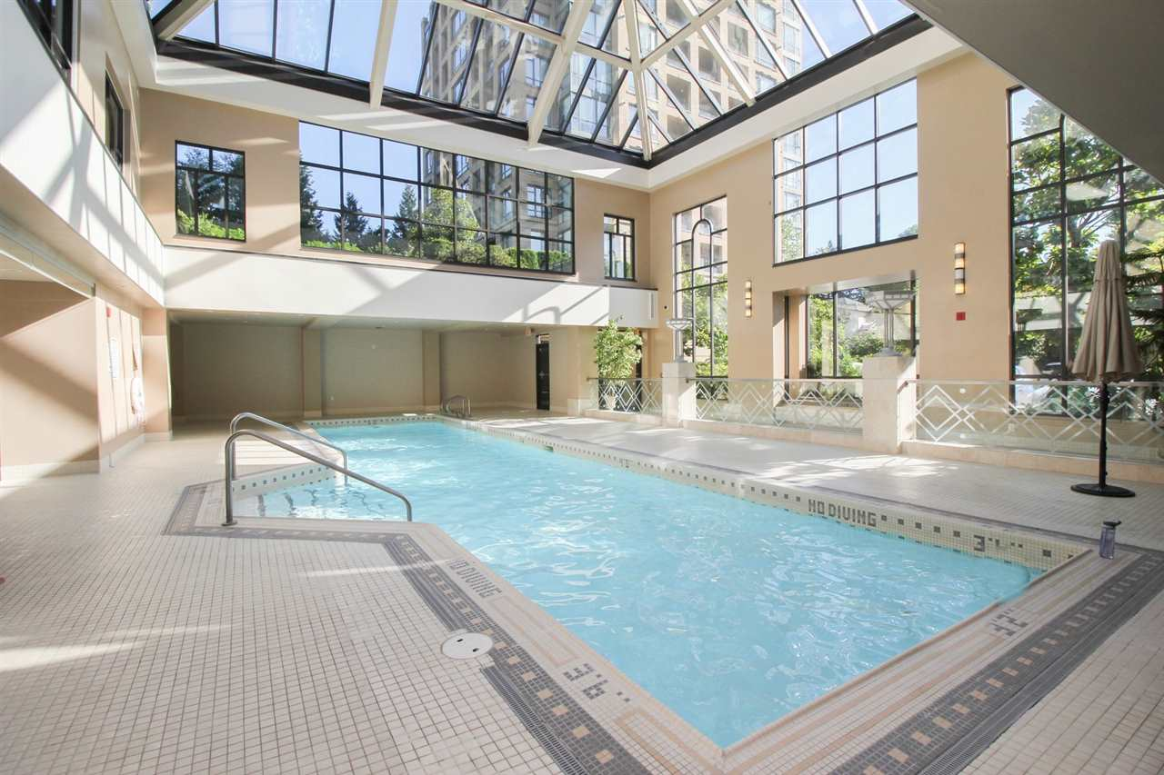 Condo Apartment at 1103 7388 SANDBORNE AVENUE, Unit 1103, Burnaby South, British Columbia. Image 19