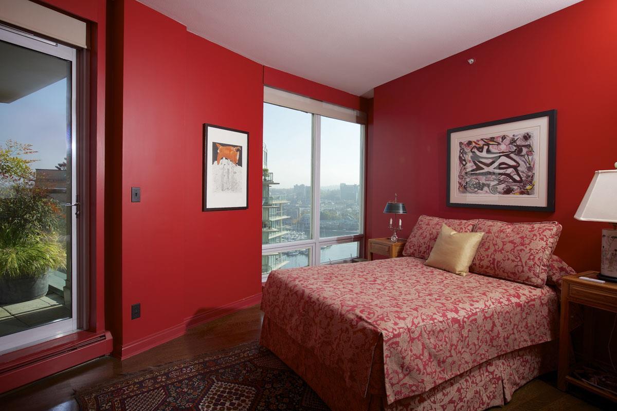 Condo Apartment at 2302 1383 MARINASIDE CRESCENT, Unit 2302, Vancouver West, British Columbia. Image 10