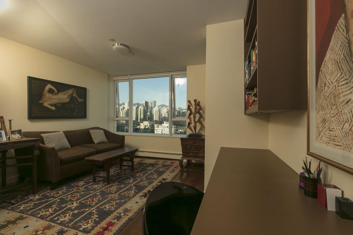 Condo Apartment at 2302 1383 MARINASIDE CRESCENT, Unit 2302, Vancouver West, British Columbia. Image 15