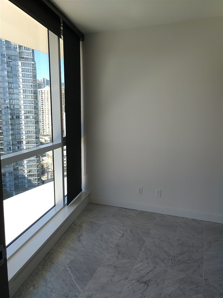 Condo Apartment at 2010 68 SMITHE STREET, Unit 2010, Vancouver West, British Columbia. Image 7