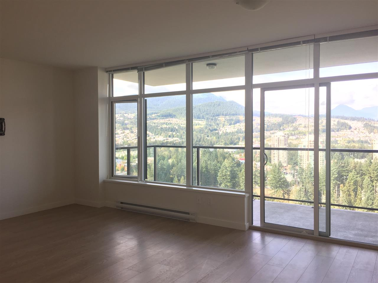 Condo Apartment at 3207 3080 LINCOLN AVENUE, Unit 3207, Coquitlam, British Columbia. Image 7