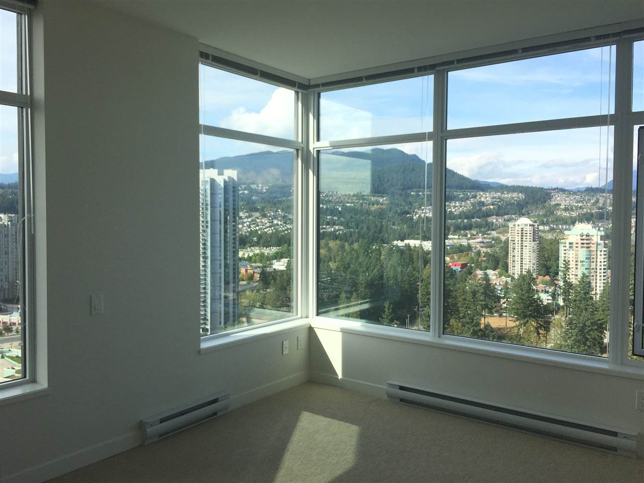 Condo Apartment at 3207 3080 LINCOLN AVENUE, Unit 3207, Coquitlam, British Columbia. Image 8