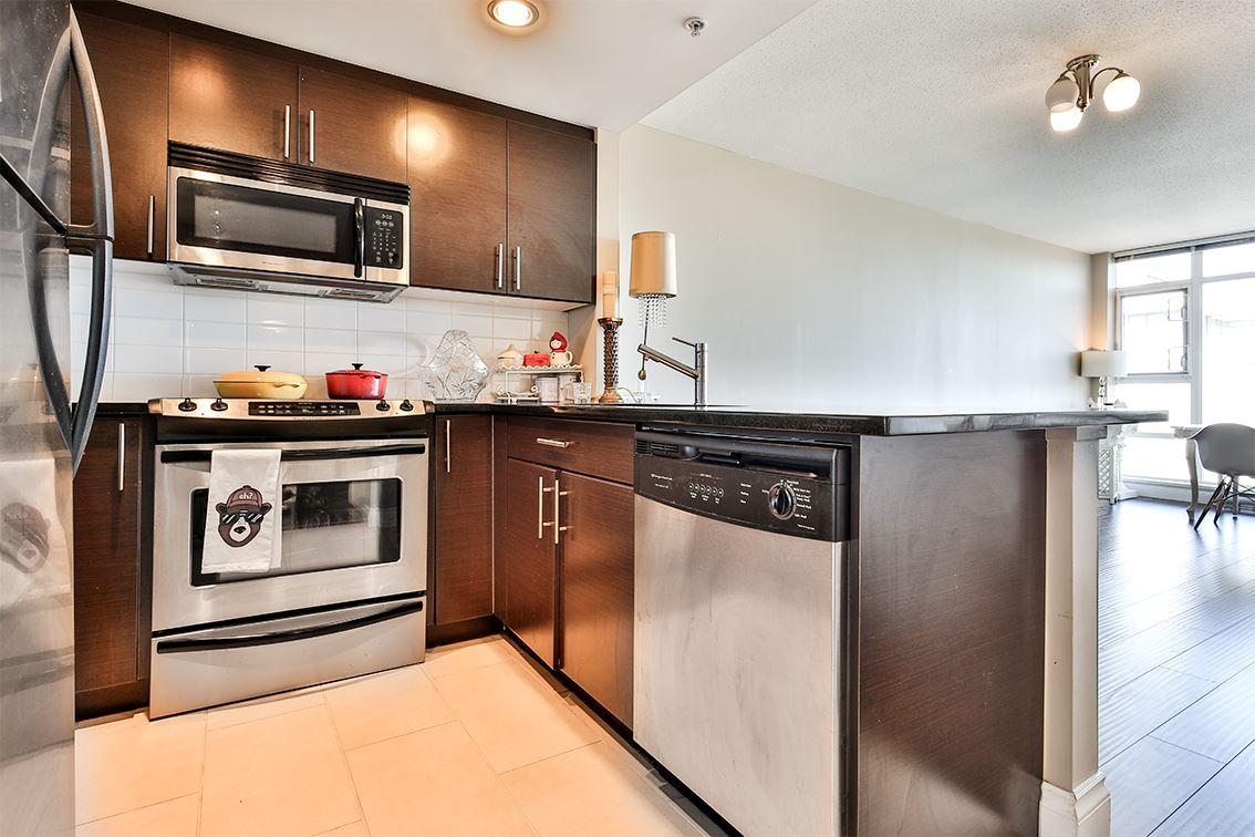 Condo Apartment at 1608 555 DELESTRE AVENUE, Unit 1608, Coquitlam, British Columbia. Image 8