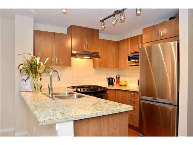 Condo Apartment at 216 3132 DAYANEE SPRINGS BOULEVARD, Unit 216, Coquitlam, British Columbia. Image 3