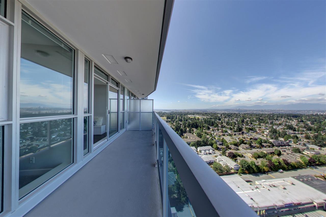 Condo Apartment at 3305 11967 80TH AVENUE, Unit 3305, N. Delta, British Columbia. Image 4