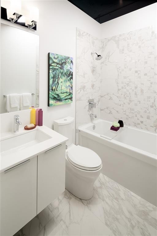 Condo Apartment at 4202 1283 HOWE STREET, Unit 4202, Vancouver West, British Columbia. Image 7