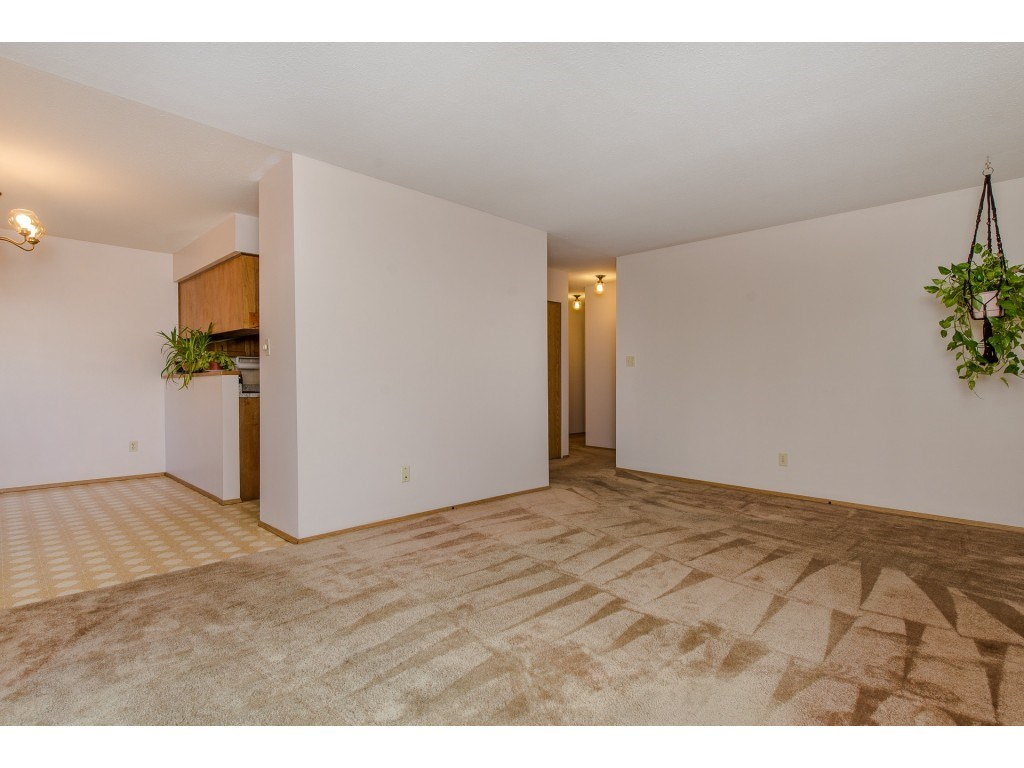 Condo Apartment at 134 31955 OLD YALE ROAD, Unit 134, Abbotsford, British Columbia. Image 10