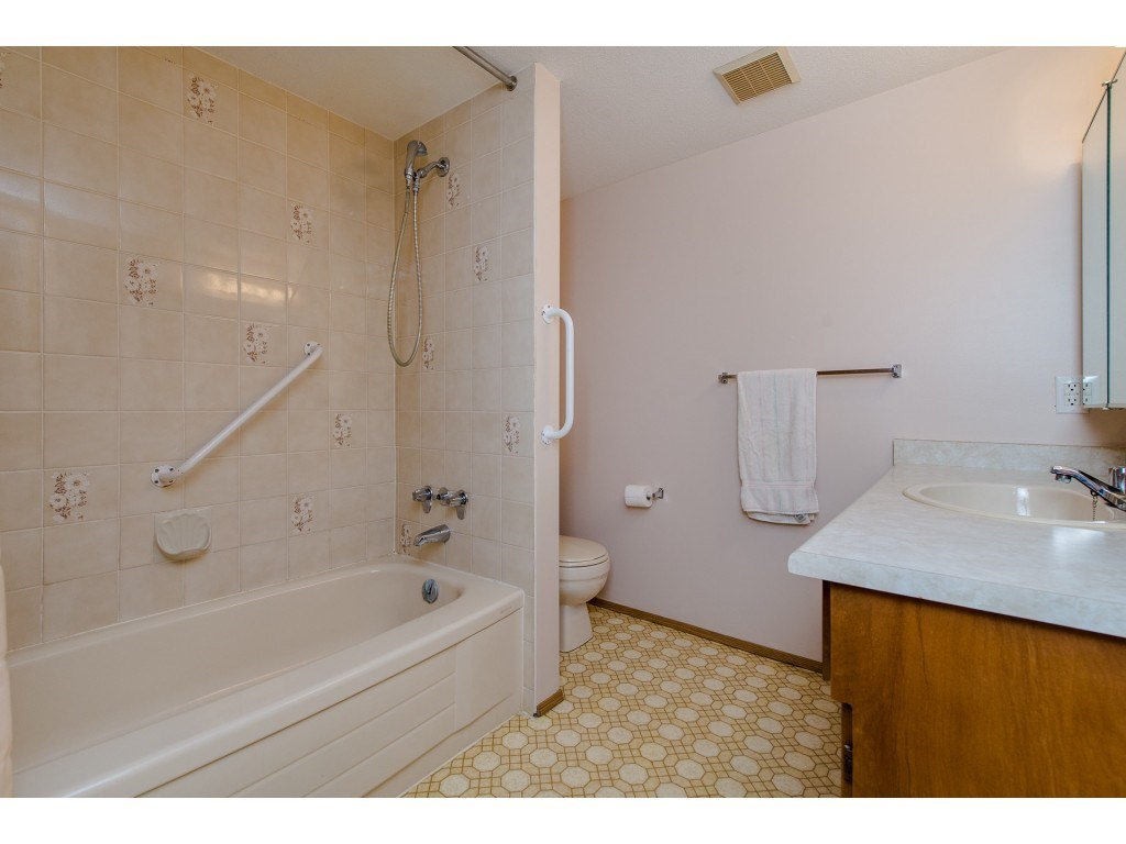 Condo Apartment at 134 31955 OLD YALE ROAD, Unit 134, Abbotsford, British Columbia. Image 14