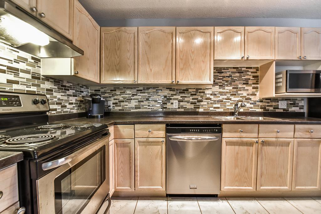 Condo Apartment at 142 33173 OLD YALE ROAD, Unit 142, Abbotsford, British Columbia. Image 9