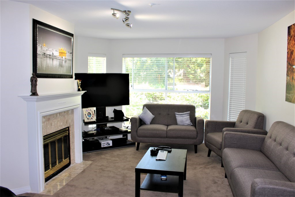 Condo Apartment at 113 7171 121 STREET, Unit 113, Surrey, British Columbia. Image 2