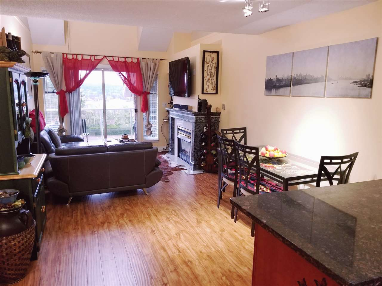 Condo Apartment at 205 67 MINER STREET, Unit 205, New Westminster, British Columbia. Image 18