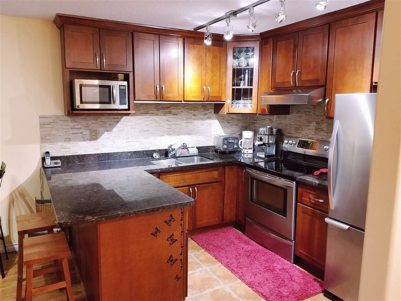 Condo Apartment at 205 67 MINER STREET, Unit 205, New Westminster, British Columbia. Image 20