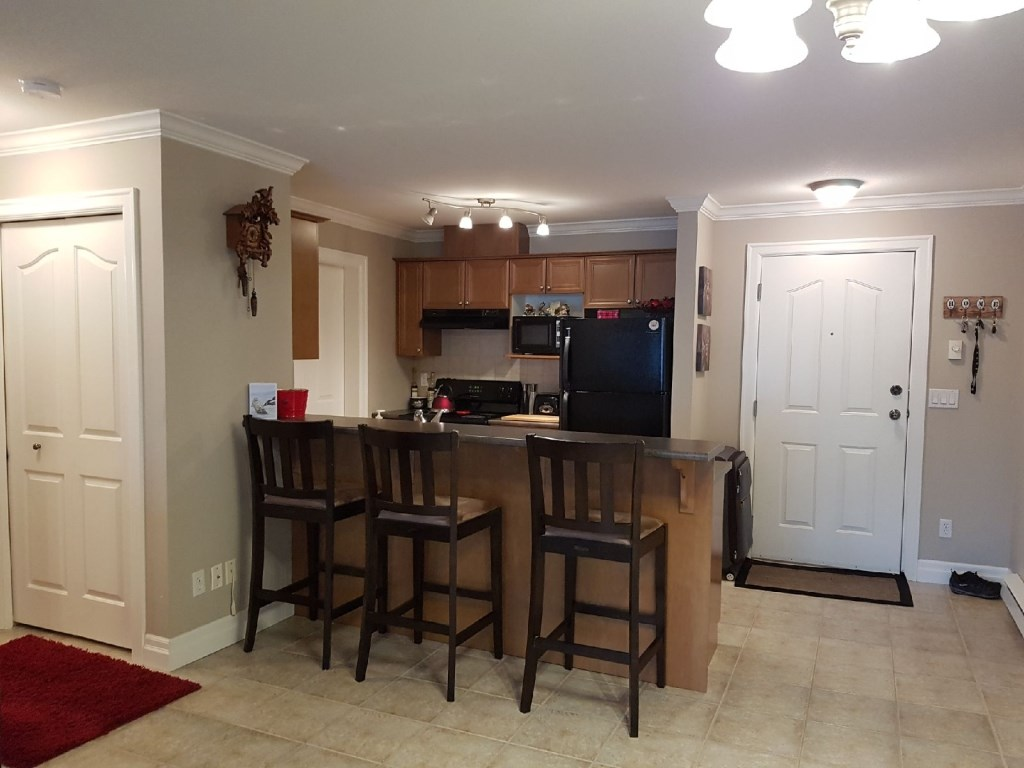 Condo Apartment at 405 45769 STEVENSON ROAD, Unit 405, Sardis, British Columbia. Image 4