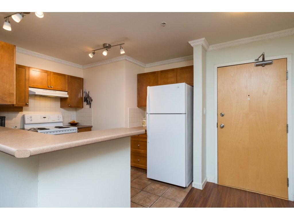 Condo Apartment at 314 18 SMOKEY SMITH PLACE, Unit 314, New Westminster, British Columbia. Image 4