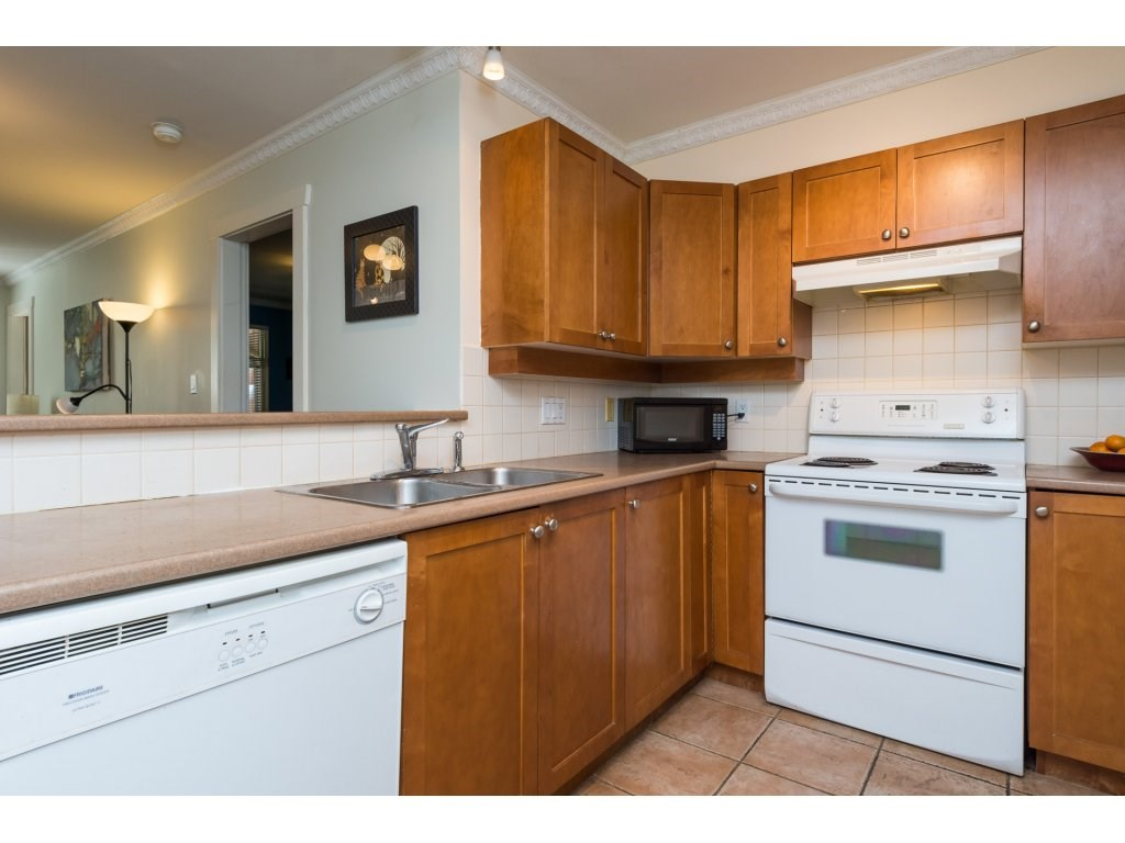 Condo Apartment at 314 18 SMOKEY SMITH PLACE, Unit 314, New Westminster, British Columbia. Image 7